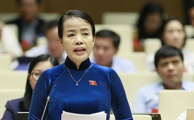 Đại biểu Nguyễn Thị Kim Thuý phát biểu tại nghị trường. Ảnh: Trung tâm báo chí Quốc hội