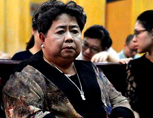 Bà Phấn xuất hiện tại tòa năm 2015 trong phiên xử Phạm Công Danh. Ảnh: Q. T.