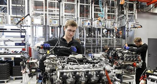 Du học nghề CHLB Đức có 2 diện chương trình: Du học nghề B1 và Du học nghề B2.