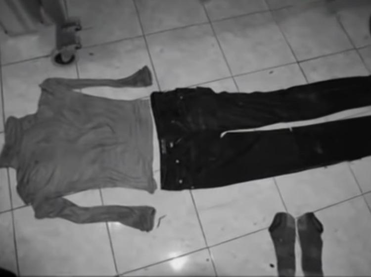 Quần áo của người chết được cho là quá mỏng. Ảnh: CCTV.