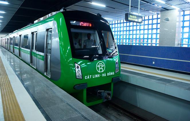 Tàu điện tuyến Cát Linh - Hà Đông chạy thử để nghiệm thu ngày 29/10. Ảnh: Giang Huy.