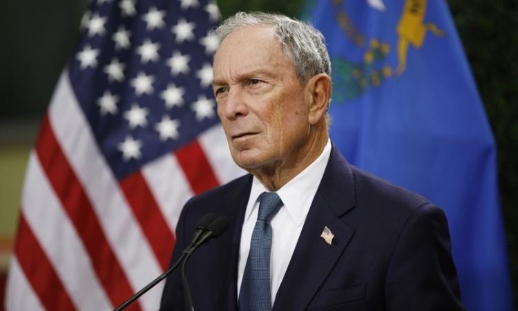 Tỷ phú Bloomberg rót 100 triệu USD chống Trump