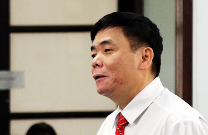 Luật sư Trần Vũ Hải tại phiên xét xử ngày 15/11. Ảnh: An Phước.
