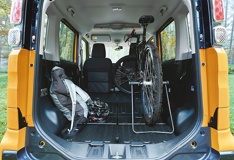 Không gian của k-car có thể chứa được rất nhiều đồ đạc. Ảnh: Suzuki