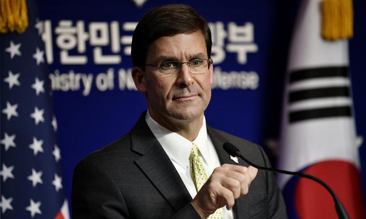Bộ trưởng Quốc phòng Mỹ Mark Esper tại cuộc họp báo ở Seoul, Hàn Quốc hôm nay. Ảnh: Reuters.