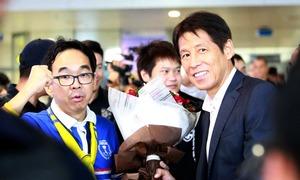 Tuyển Thái Lan tới Nội Bài