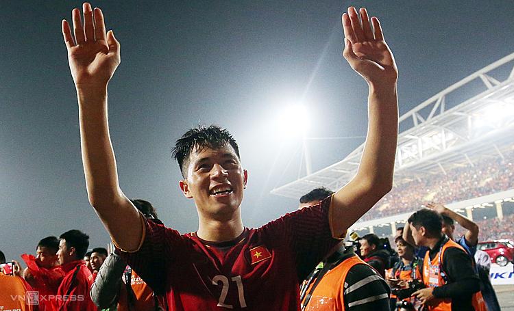 Vì chấn thương, Đình Trọng đã bỏ lỡ nhiều giải đấu lớn cùng Bóng đá Việt Nam. Ảnh: Đức Đồng.