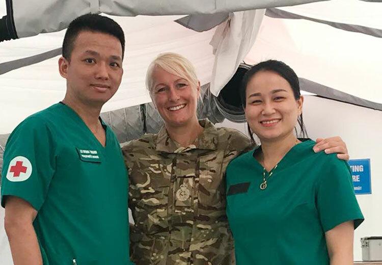 Vợ chồng đại uý Thanh, Vân nằm trong danh sách 63 quân nhân thuộc Bệnh viện dã chiến số 2 đi Nam Sudan trong tháng 11. Ảnh: NVCC.