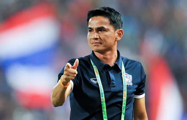 Kiatisuk từng tuyên bố 10 năm nữa bóng đá Việt Nam mới đuổi kịp Thái Lan.