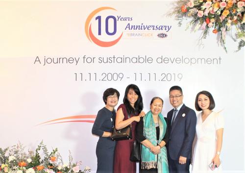BGĐ BrainClick/OEA Vietnam cùng đại diện Cambridge Assessment English tham dự buổi lễ
