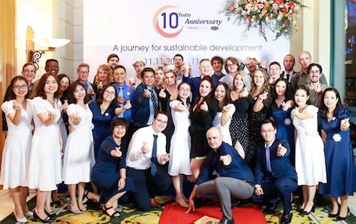 Đội ngũ cán bộ, nhân viên và giáo viên OEA Vietnam.