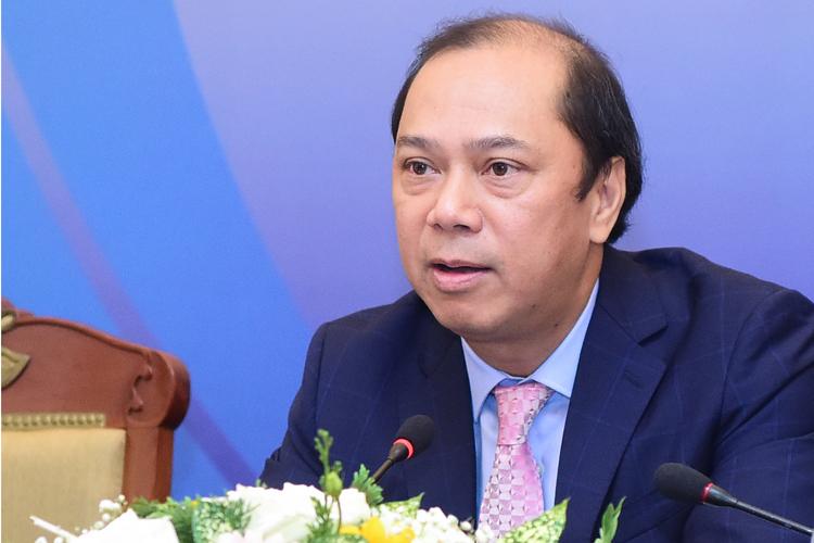 Thứ trưởng Ngoại giao Nguyễn Quốc Dũng trong họp báo sáng nay tại Hà Nội. Ảnh: Giang Huy.