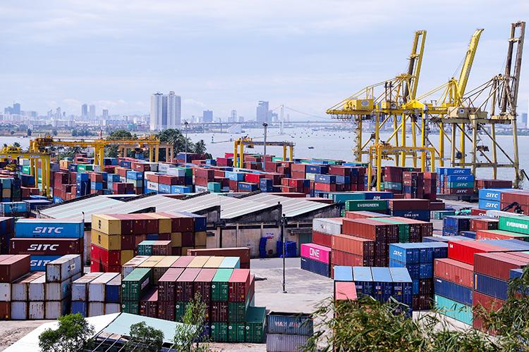 Cảng Tiên Sa diện tích27 hecta và sẽ hết công suất 12 triệu tấn vào năm 2023. Ảnh: Nguyễn Đông.