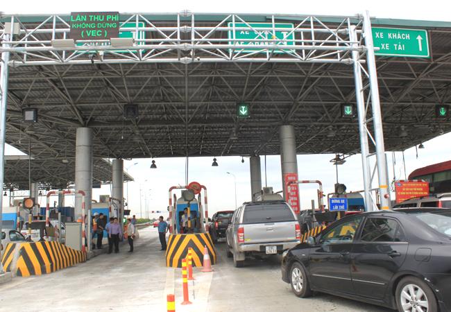 Hệ thống thu phí không dừng được lắp đặt trên cao tốc Cầu Giẽ - Ninh Bình. Ảnh: Anh Duy.