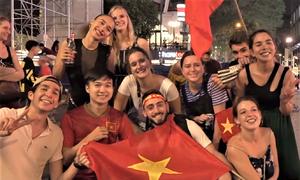 CĐV nước ngoài phân tích lối chơi của tuyển Việt Nam
