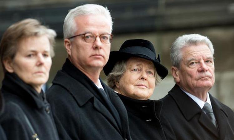 Con trai cựu tổng thống Đức bị đâm chết
