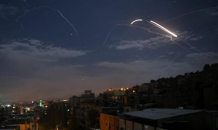 Tên lửa Syria đánh chặn đòn không kích của Israel hồi đầu năm. Ảnh: AFP.
