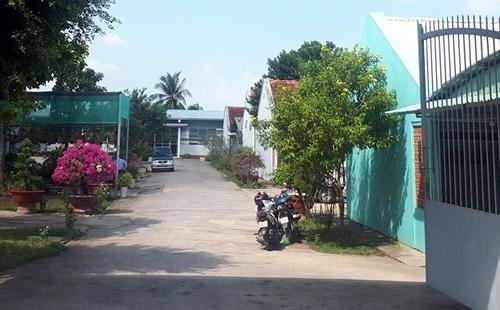 Bên trong cơ sở cai nghiện ma túy sau khi các học viên trốn trại, trưa20/11. Ảnh: Hoàng Nam.