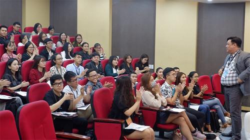 PGS-TS Trần Hà Minh Quân - Viện trưởng Viện ISB chia sẻ lợi ích khi theo học chương trình MBA