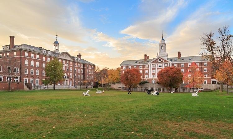 Một góc quen thuộc ở Đại học Harvard. Ảnh: Shutterstock