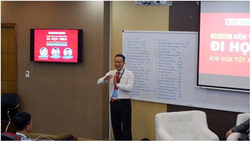 Thạc sĩ Nguyễn Văn Hóa, Nguyên Giám đốc Nhân sự DongA Bank chia sẻ giá trị tấm bằng MBA dưới con mắt nhà tuyển dụng.