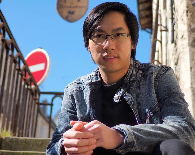 Từ chàng trai nghèo ở làng quê,Ngô Khắc Hoàng được xướng tên trên diễn đàn khoa học quốc tế.