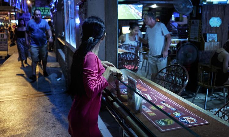Một con hẻm tại thành phố Angeles, Philippines. Ảnh: Washington Post.