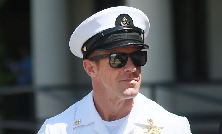 Gallagher sau phiên tòa ở Mỹ hồi tháng 7. Ảnh: Reuters.