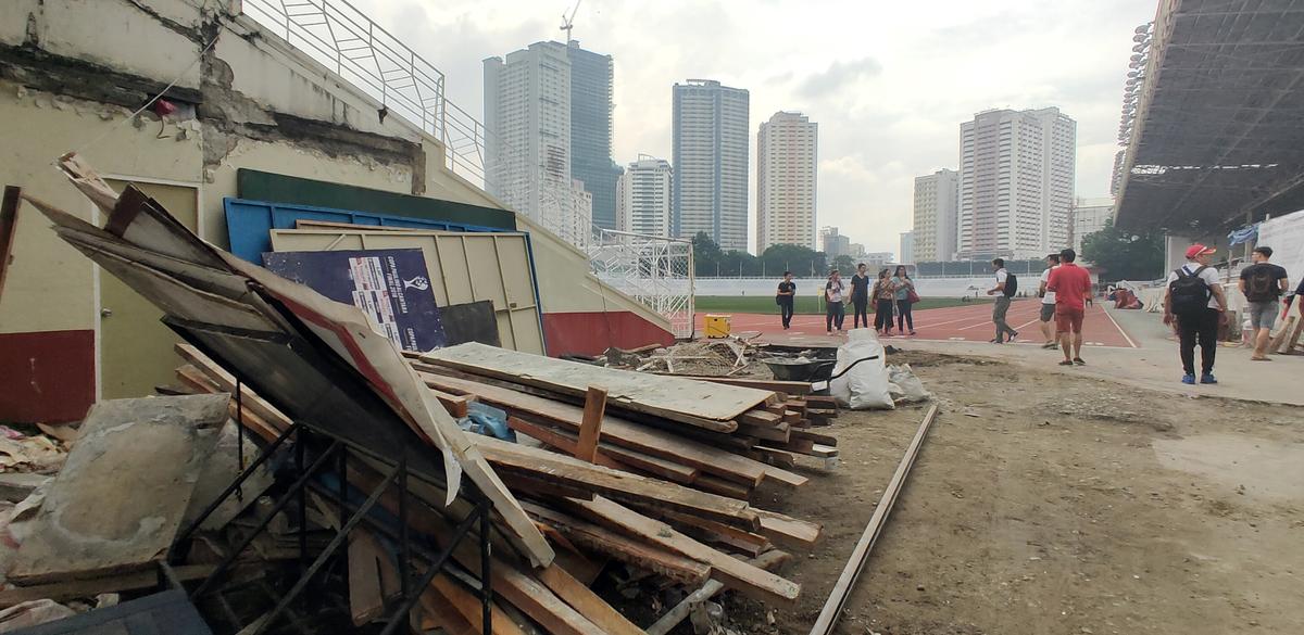 Sân thi đấu ngổn ngang trước thềm SEA Games 2019