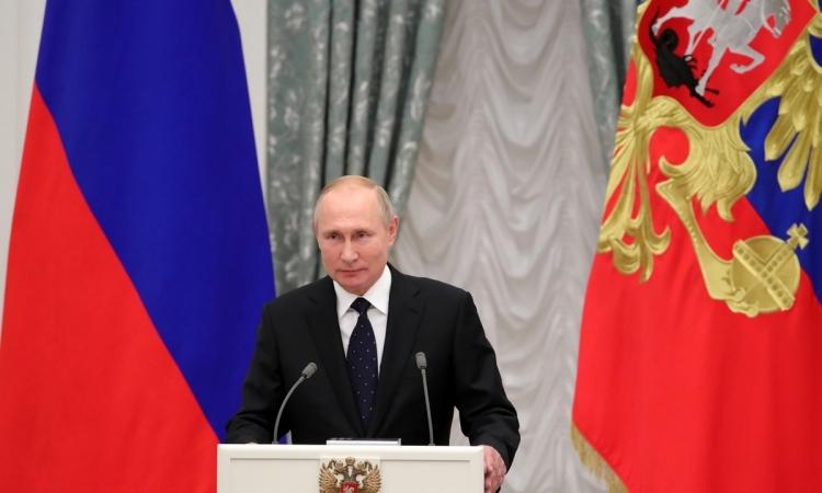 Tổng thống Nga Vladimir Putin tại lễ trao thưởng nhà nước ở điện Kremlin, Moskva, hôm 21/11. Ảnh: AP.