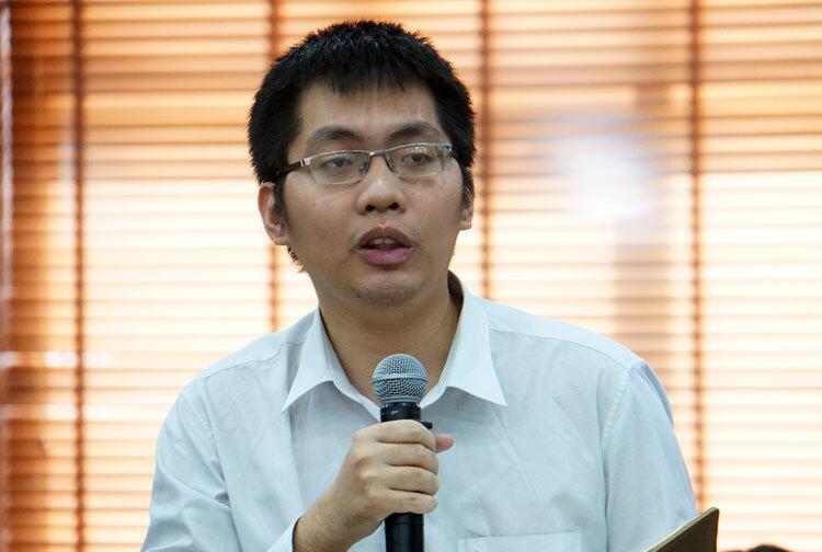 Ông Lê Lương Minh góp ý tại hội thảo sáng 22/11. Ảnh: Mạnh Tùng.