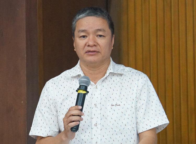 PGS Đỗ Minh Khôi góp ý triển khai chương trình phổ thông và sách giáo khoa mới. Ảnh: Mạnh Tùng.