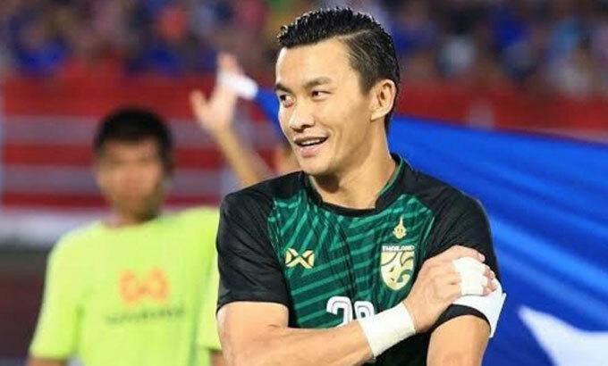Vị Giám đốc 37 tuổi từng là thủ môn tuyển Thái Lan. Ảnh: SiamSport