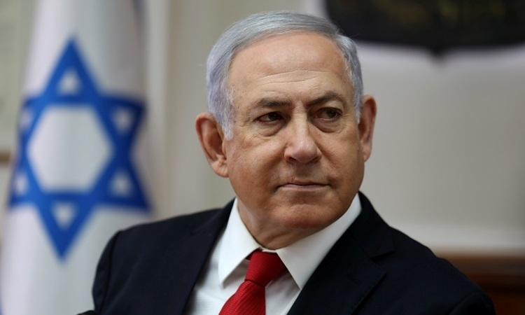 Thủ tướng IsraelBenjamin Netanyahu trong cuộc họp nội các tạivăn phòng của ông ởJerusalem hôm 27/10. Ảnh: Reuters.
