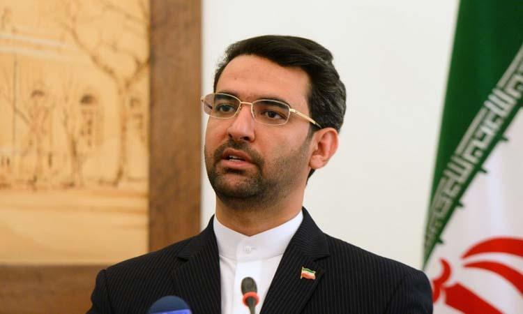 Bộ trưởng Truyền thông Iran Mohammad Javad Azari-Jahromi phát biểu trong cuộc họp báo tại Tehran hôm 29/4. Ảnh: Anadolu.