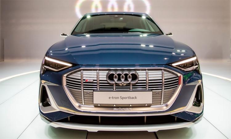 Audi e-tron Sportback vừa ra mắt tại triển lãm ôtô Los Angeles, Mỹ. Ảnh: Carscoops