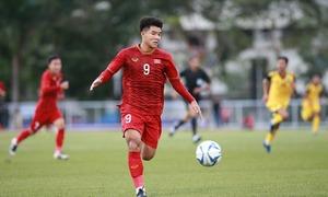 CĐV ấn tượng với cách ghi bàn của Đức Chinh