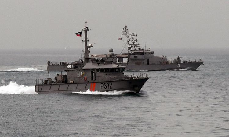 Tàu hải quân Kuwait diễn tập cùng Mỹ trên Vùng Vịnh hồi năm 2018. Ảnh: US Navy.