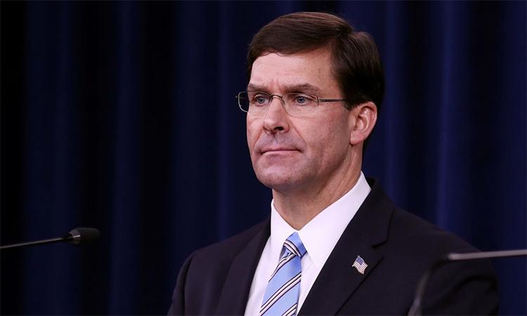 Bộ trưởng Quốc phòng Mỹ  Mark Esper trong cuộc họp báo tại Lầu Năm Góc ngày 25/11. Ảnh: CNN.
