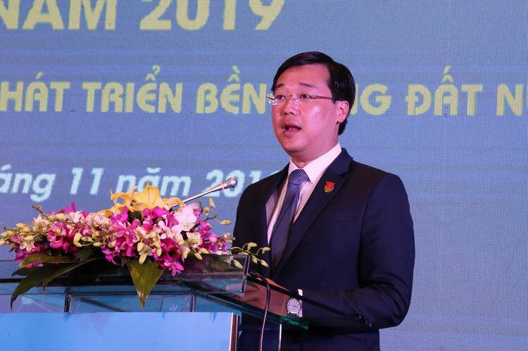 Ông Lê Quốc Phong phát biểu khai mạc Diễn đàn trí thức trẻ toàn cầu sáng 27/11.
