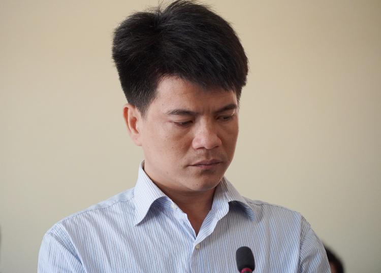 Tài xế Phạm Thành Hiếu lúc nghe tòa tuyên án. Ảnh: Hoàng Nam.