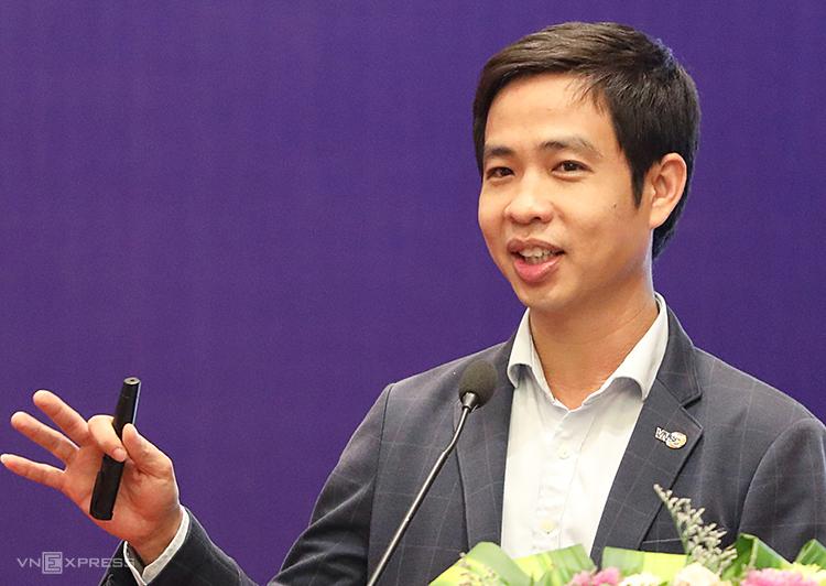 TS Lê Xuân Huy nói về những ứng dụng công nghệ vũ trụ vào phát triển kinh tế. Ảnh: Ngọc Thành