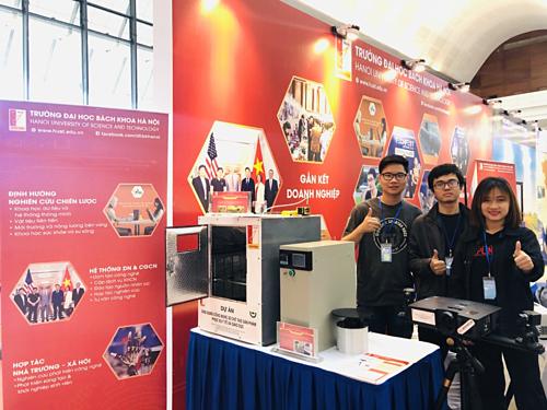 Trường Đại học Bách Khoa Hà Nội có ưu thế trong việc kết hợp sức mạnh nghiên cứu khoa học công nghệ từ giảng viên đến sinh viên, thương mại hóa sản phẩm trong mô hình khởi nghiệp đổi mới sáng tạo.