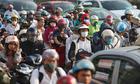 Kẹt xe sau các kỳ nghỉ và sự đổ lỗi cho dân nhập cư