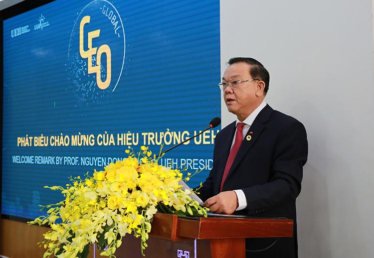 Giáo sư, Tiến sĩ Nguyễn Đông Phong, Hiệu trưởng Trường Đại học Kinh tế TP. HCM khẳng định UEH sẽ là cầu nối gắn kết các mối quan hệ toàn cầu giữa những doanh nghiệp Việt Nam và Hàn Quốc