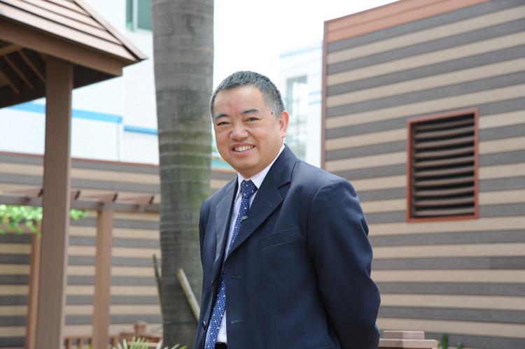 Hứa Khai Hoa, người sáng lập kiêm chủ tịch hãng sản xuất kim loại sử dụng trong pin GEM. Ảnh: Handout