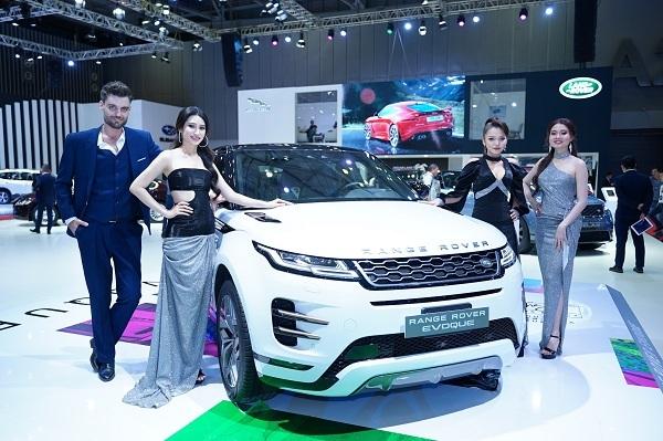 Mẫu xe Range Rover Evoque mới được giới thiệu tại Triển Lãm ôtô Việt Nam 2019.