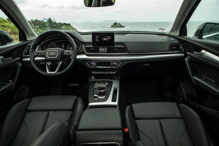 Khoang nội thất rộng rãi bên trong mẫu Audi Q5 mới.