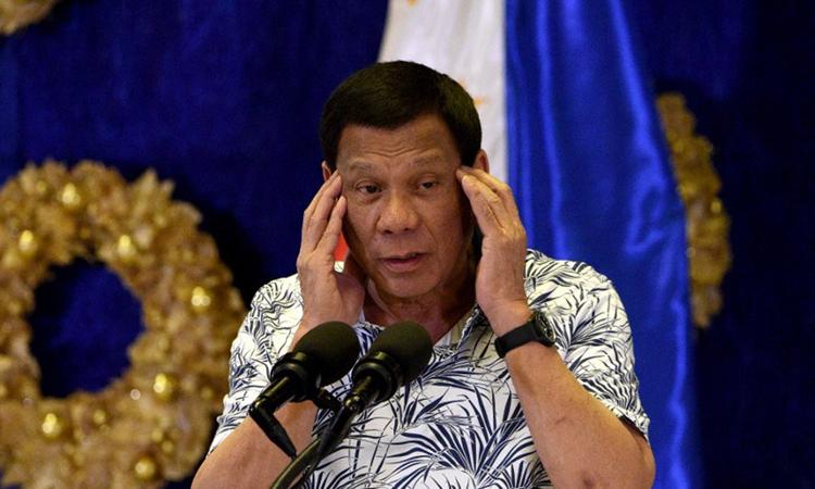 Tổng thống Philippines Duterte tại cuộc họp báo ở Phủ tổng thống tại Manila hôm 19/11. Ảnh: AFP.
