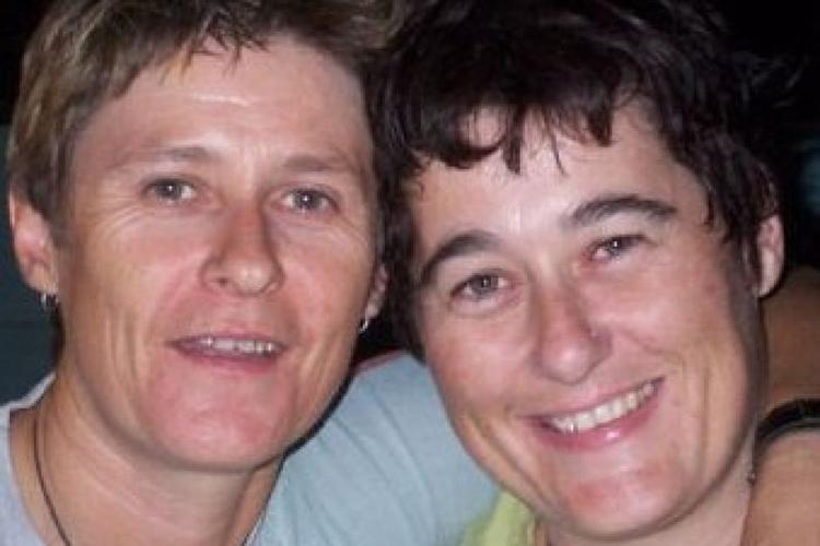 Bà Claire Hockridge (phải) và Tamra McBeath-Riley. Ảnh: NT Police